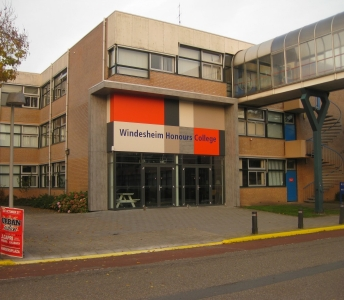 Entree gebouw D Campus Windesheim Zwolle